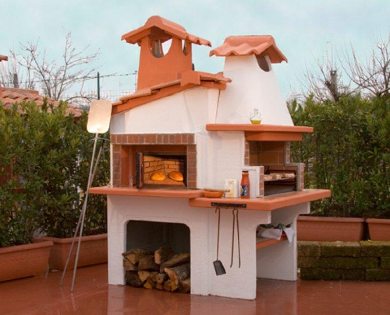 Barbecue con forno a legna for Piani per gazebo con camino