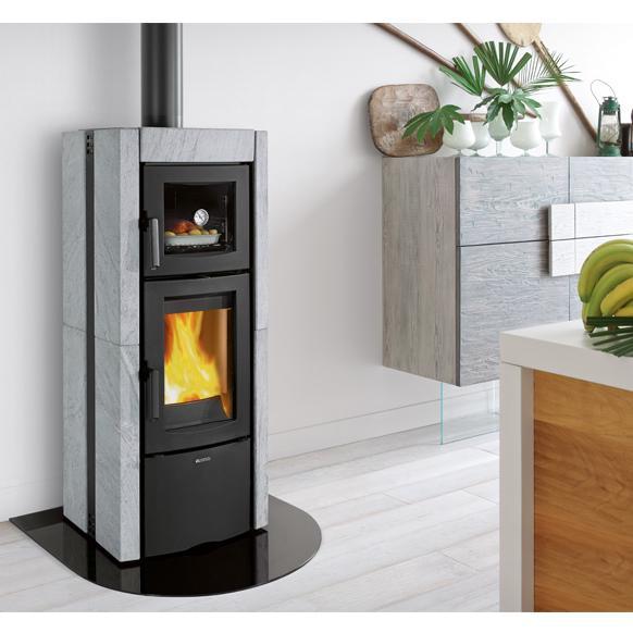 Stufa a legna la nordica ester con forno evo 8 2 kw for Termostufe a legna con forno